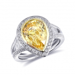 Natural Unheated Yellow Sapphire 4.97 carats set in 18K White and Yellow Gold with 0.97 carats Diamonds / GIA Report