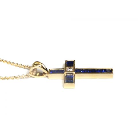 Natural Blue Sapphires 2.04 carats set in 18K Yellow Gold Pendant with Chain / 0.17 carats Diamonds