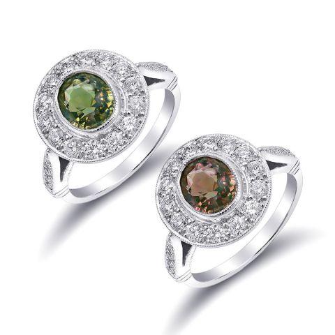 Natural Alexandrite 2.06 carats set in Platinum Ring with 0.72 carats Diamonds