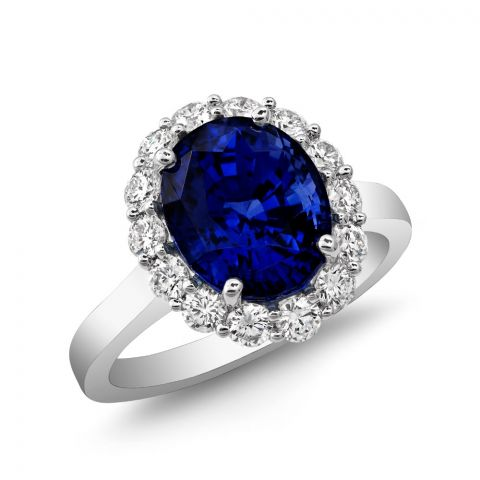Natural Blue Sapphire 5.23 carats set in Platinum Ring with 0.75 carats  Diamonds