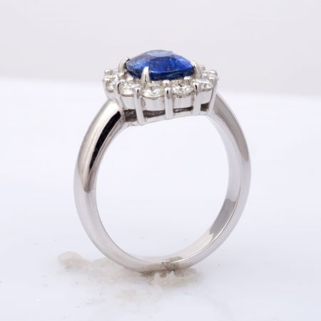 Natural Blue Sapphire 2.45 carats set in 18K White Gold Ring with 0.83 carats Diamonds