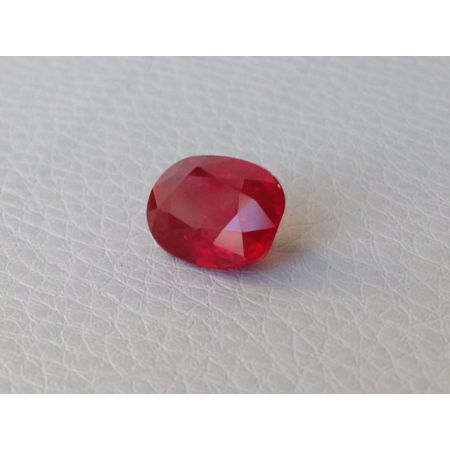 Natural Heated Ruby vivid red color oval shape 4.02 carats with GRS Report / video