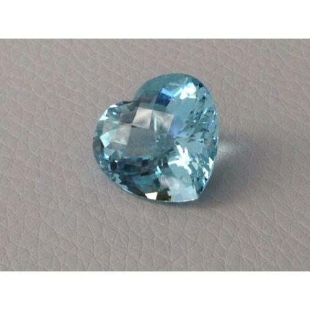 Natural Aquamarine light blue color heart shape 11.41 carats
