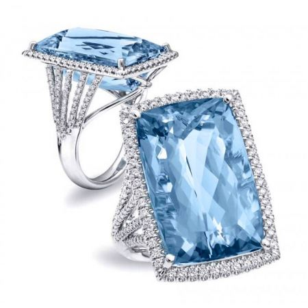 Natural Aquamarine 21.89 carats set in 14K White Gold Ring with 0.79 carats Diamonds / GIA Report
